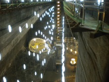 All'interno dell'enorme miniera di sale di Turda